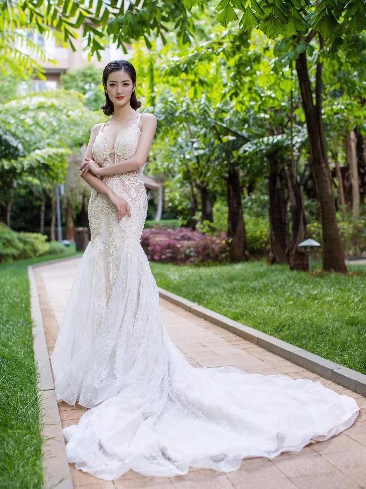 昆明婚纱美雅体验馆_教你婚纱照要怎么拍显得更自然