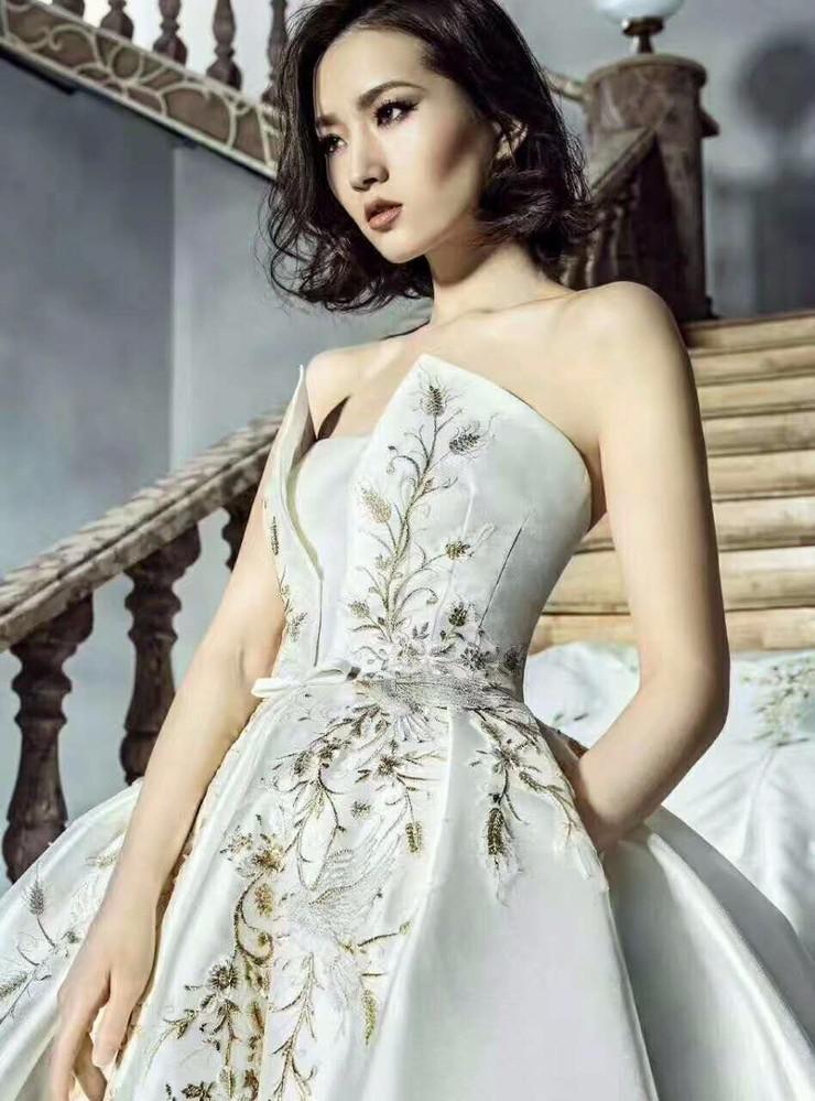 选婚纱,来王妃,为您打造专属完美