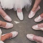 连最美伴娘团都毁在阿娇伴娘鞋上,这些雷区不能碰!
